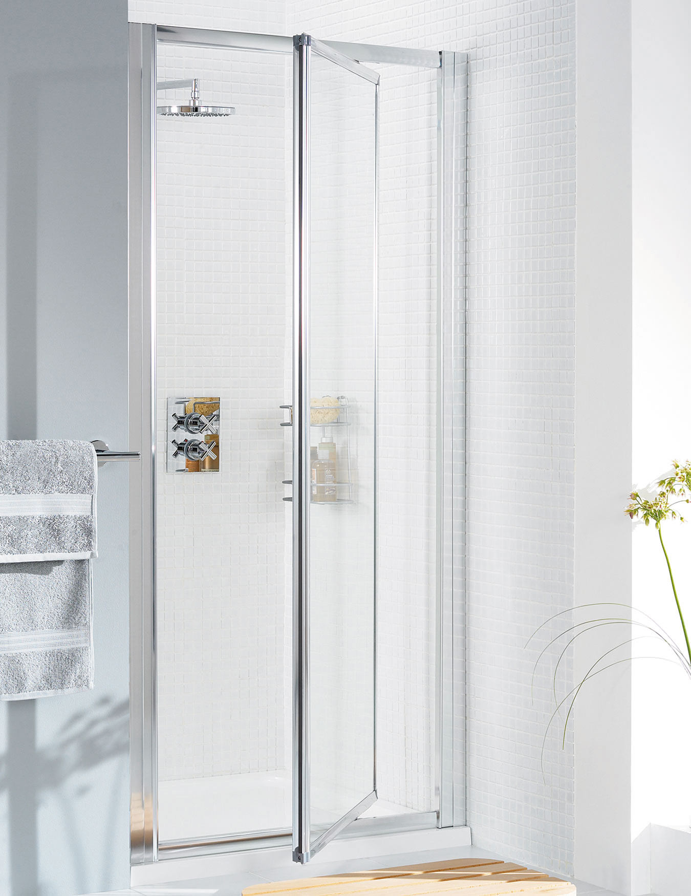 Lakes Classic Silver Framed Pivot Door 700 X 1850mm
