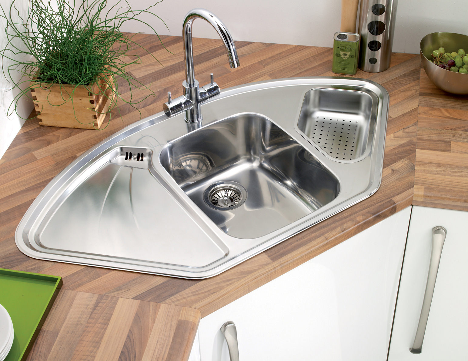 Stainless Steel Corner Sinks For Kitchens : Astracast Lausanne 1.5 Bowl Polished Stainless Steel Corner Inset Sink