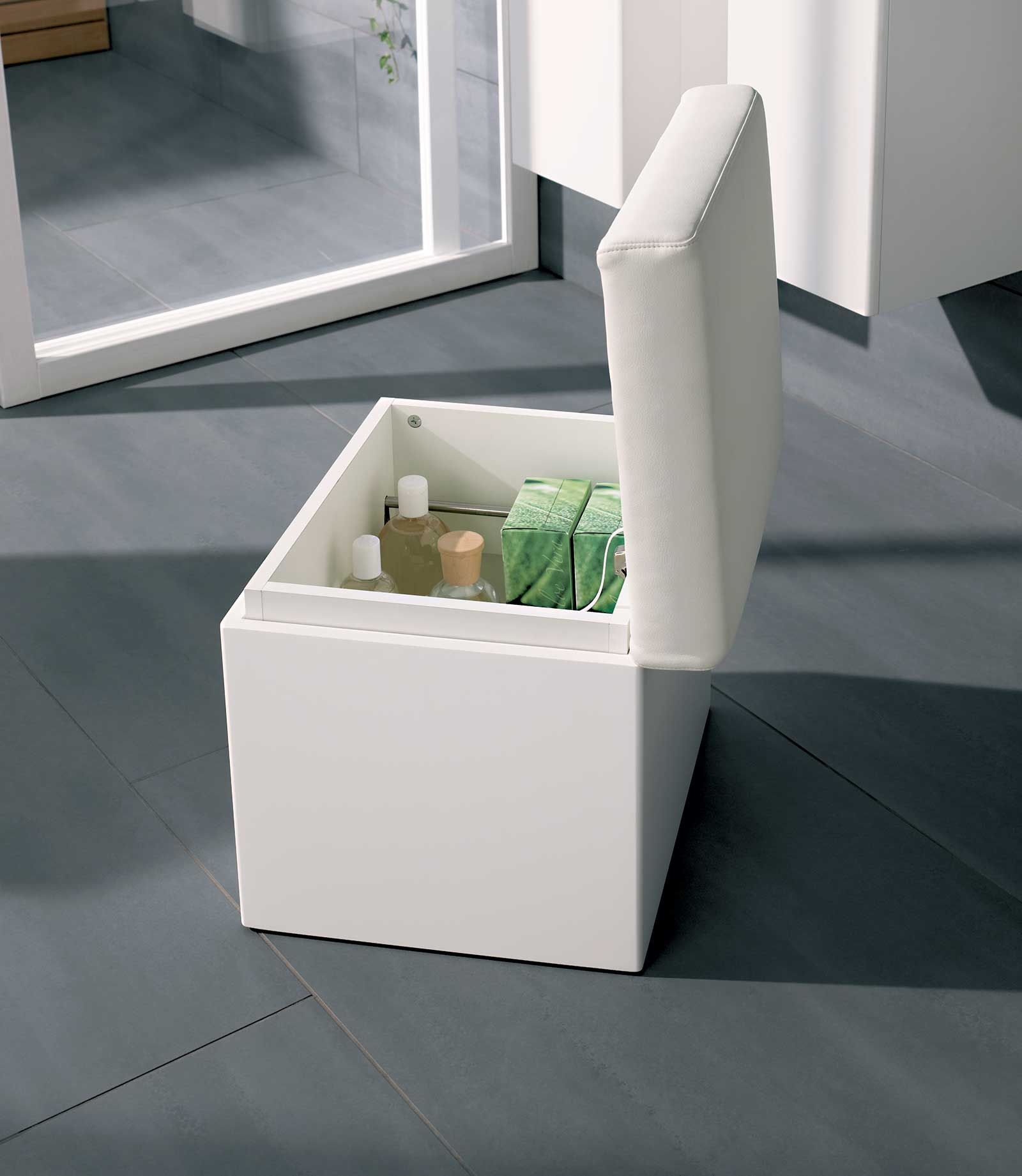 Twyford All White Finish Bathroom Seat With Storage Ta0901wh