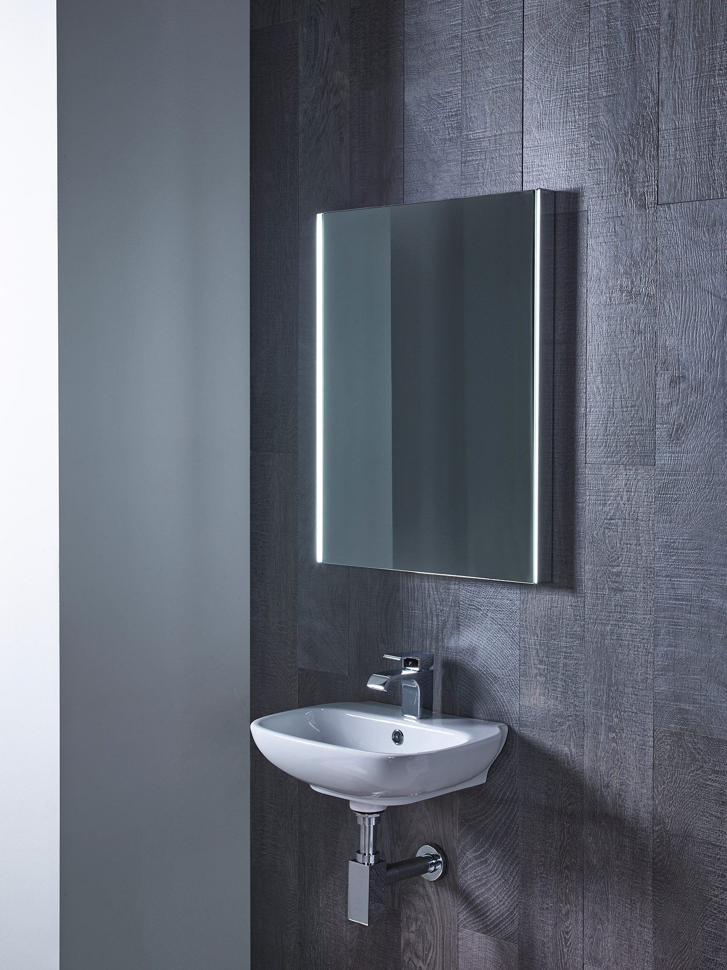 Roper Rhodes Precise Illuminated Mirror Mle470