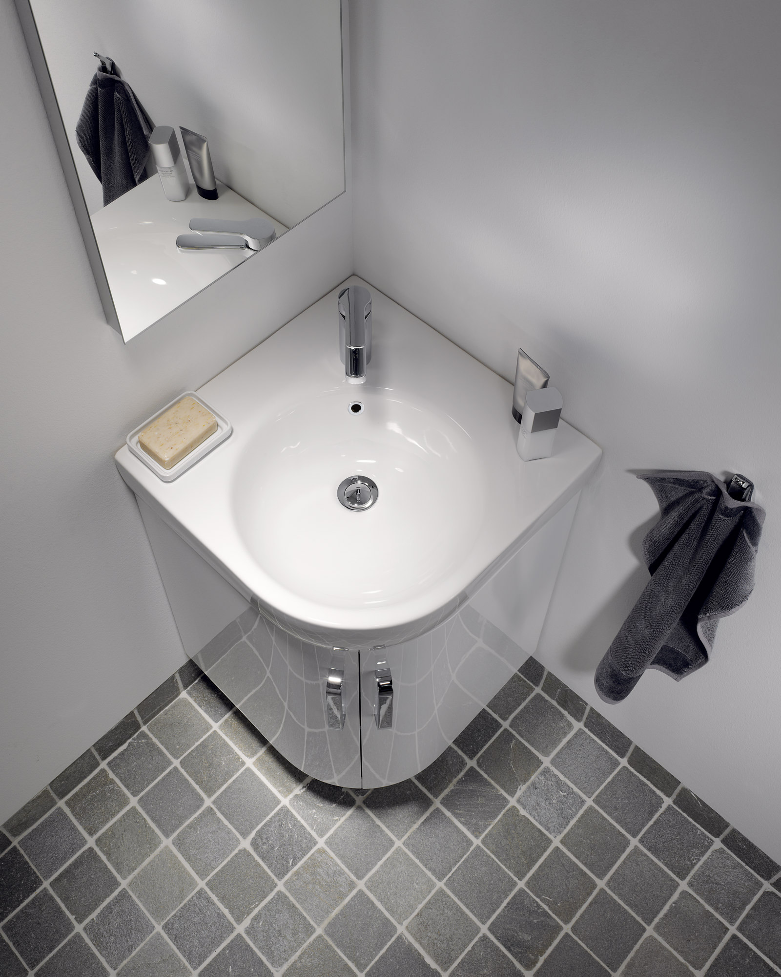 finest selection c9a0c 32642 Twyford E200 500 x 500mm 1 Tap Hole Corner Washbasin | E24191WH