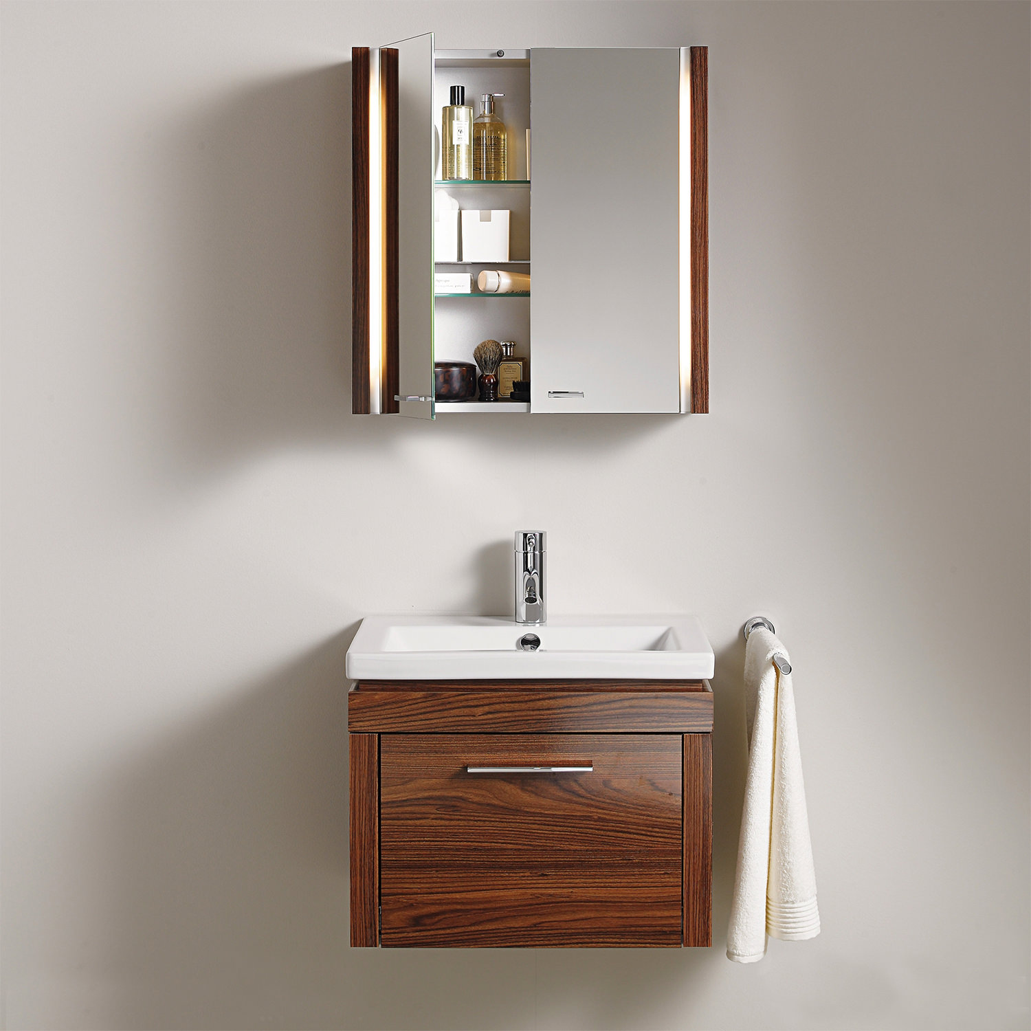Duravit 2nd floor 600mm mirror cabinet with lighting 2f 9651 for Bathroom cabinets 600mm