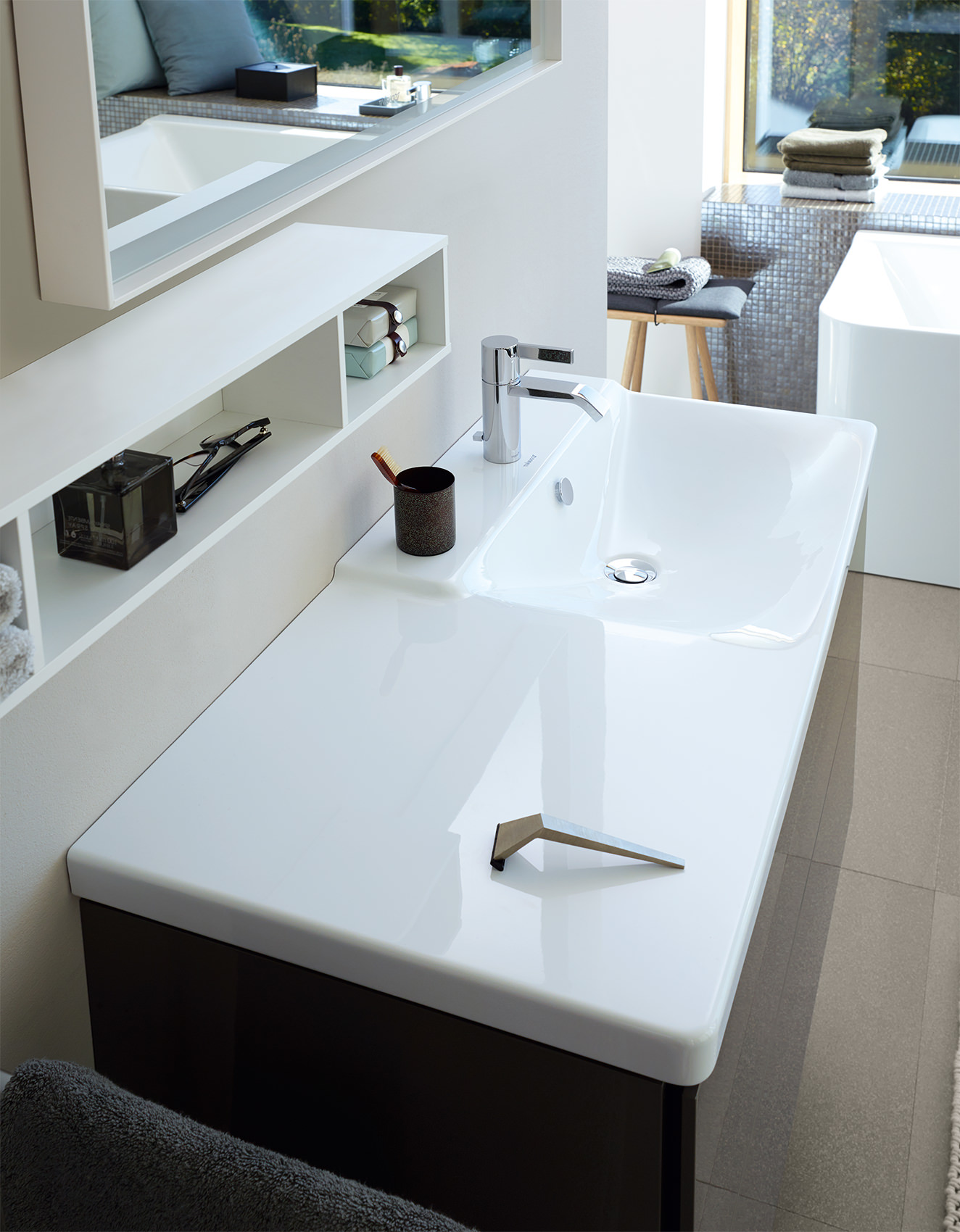 Duravit P3 Comforts 850mm Bowl On Right Asymmetric Basin