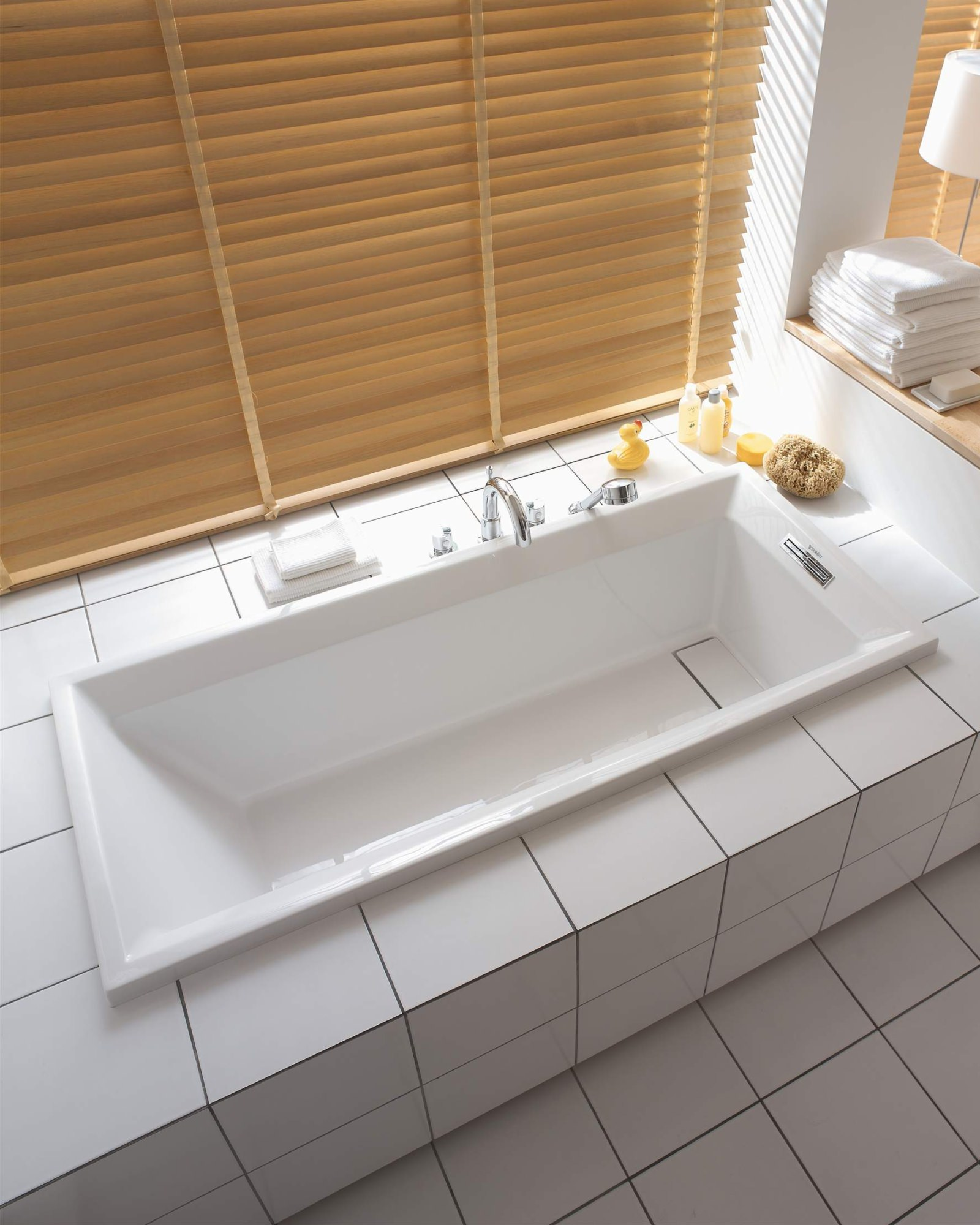 Duravit 2nd Floor Built In Bath With Support Frame 1700 X