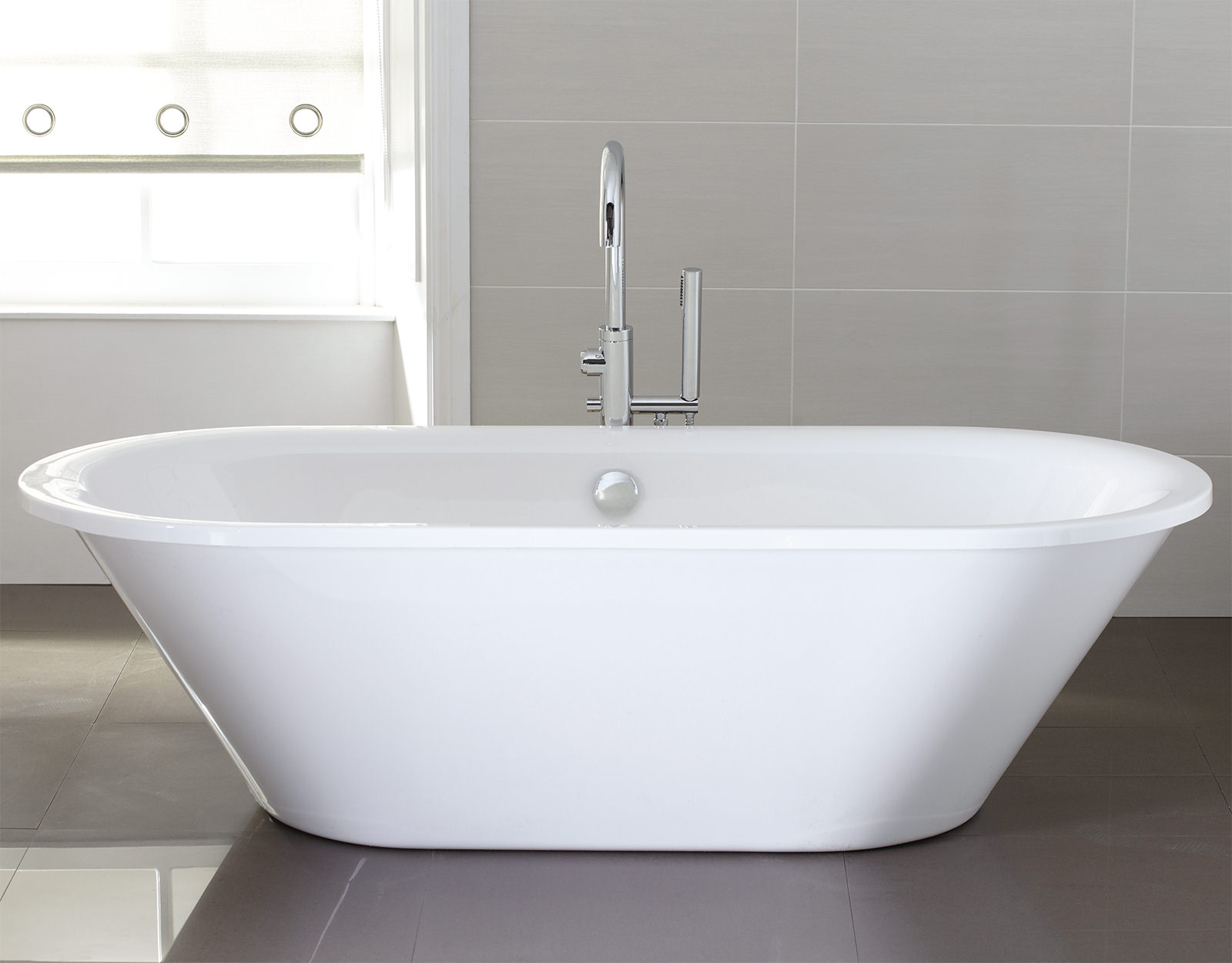April Haworth 1800 x 800mm Thermolite Skirted Freestanding Bath ...