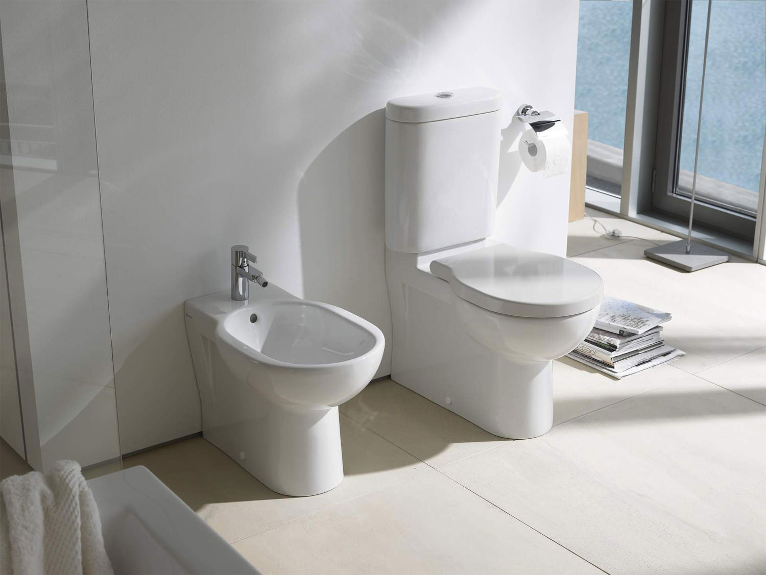 duravit bathroom foster 660mm close coupled toilet with. Black Bedroom Furniture Sets. Home Design Ideas