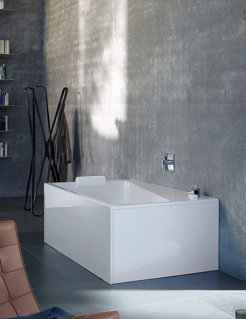 duravit paiova 1700mm monolith corner bath with panel and. Black Bedroom Furniture Sets. Home Design Ideas