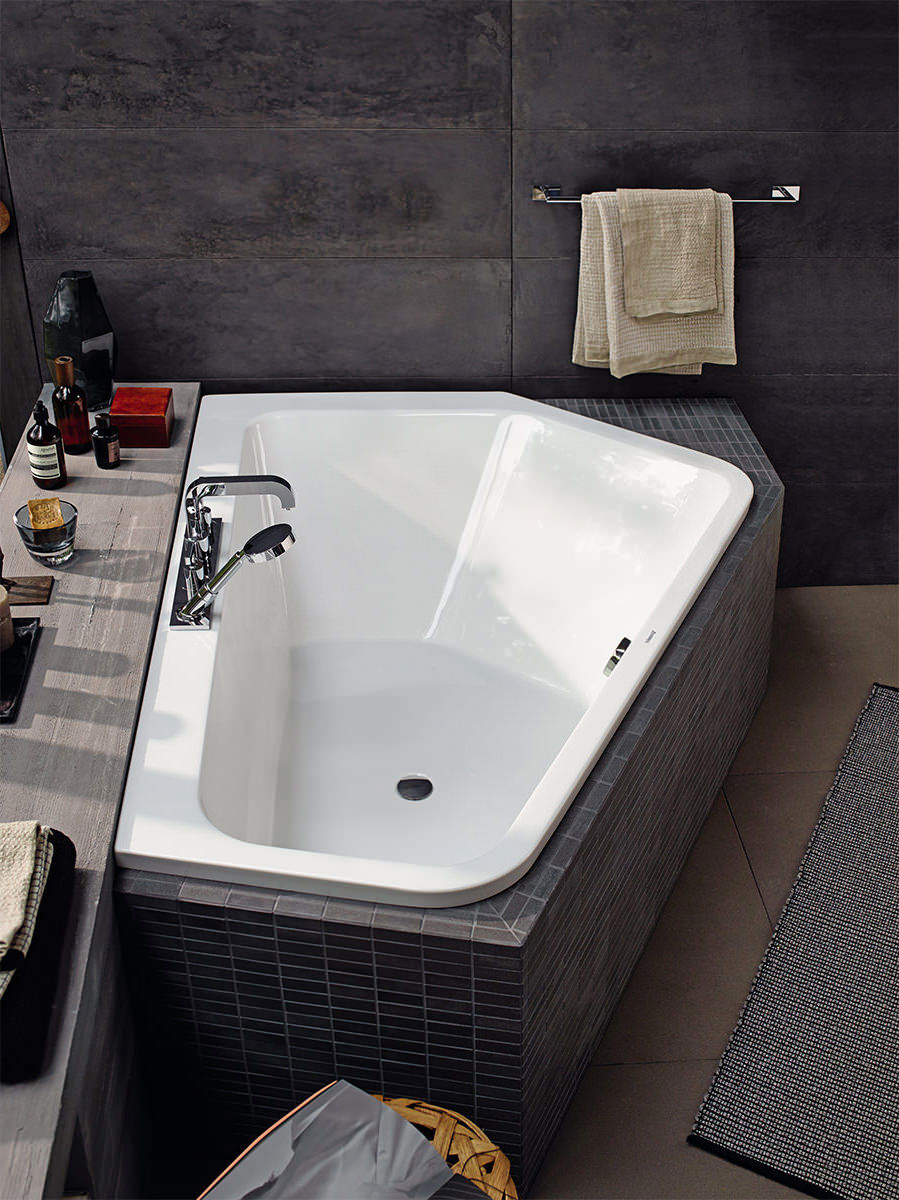 Duravit Paiova 1770 X 1300mm 5 Corner Right Bath With Panel