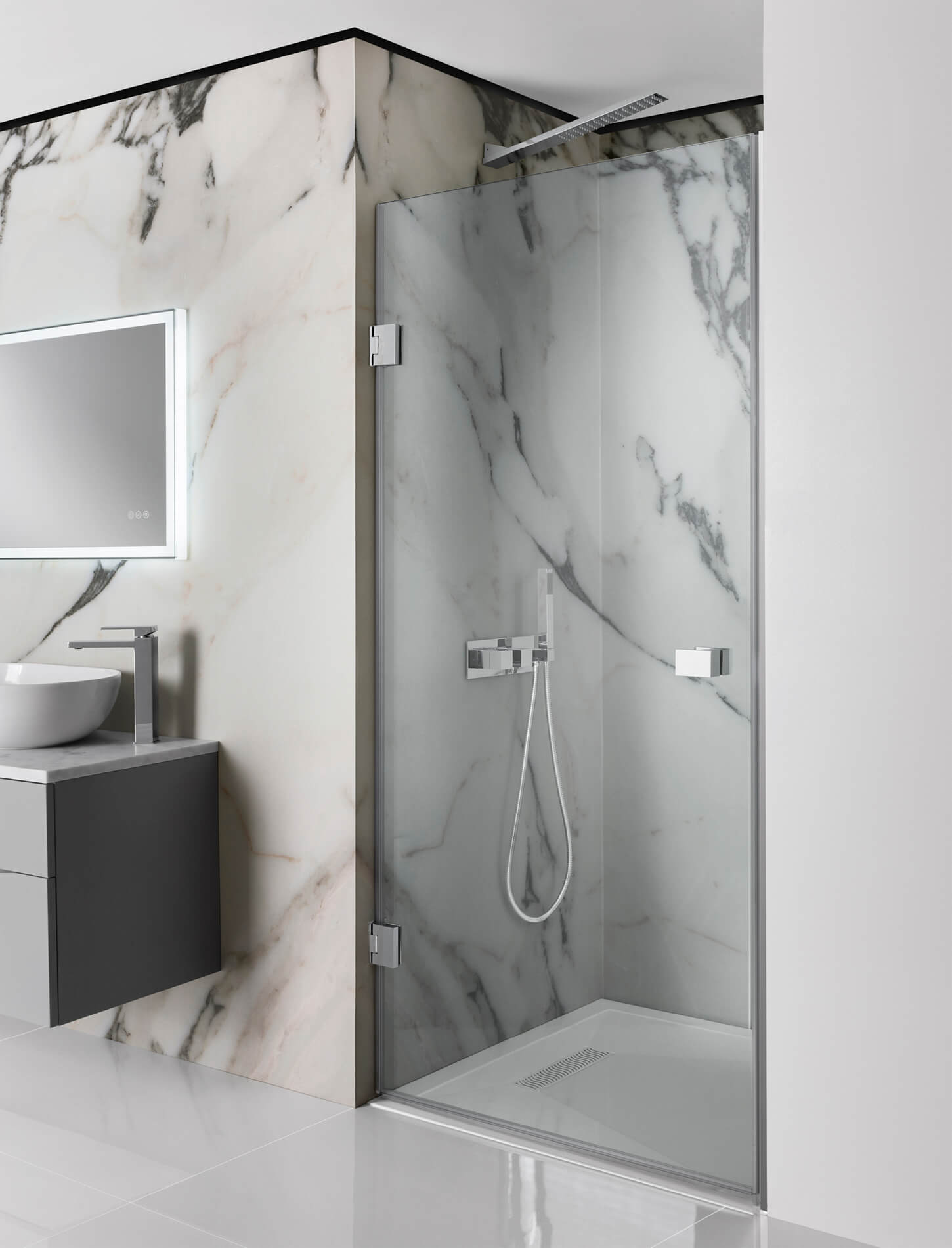 Simpsons Zion Hinged Shower Door 800 900mm Width Available