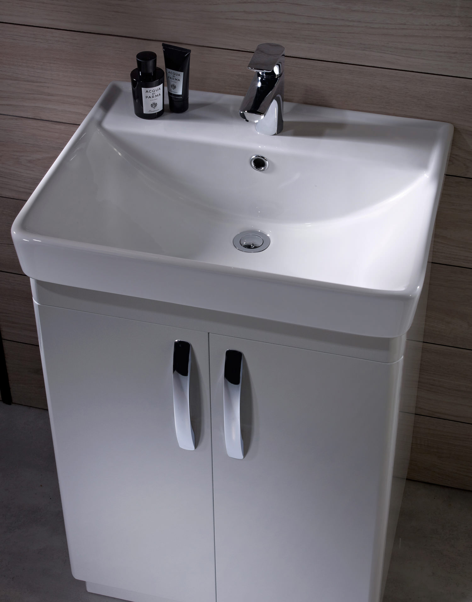 Tavistock Compass 600mm Freestanding Unit And Basin