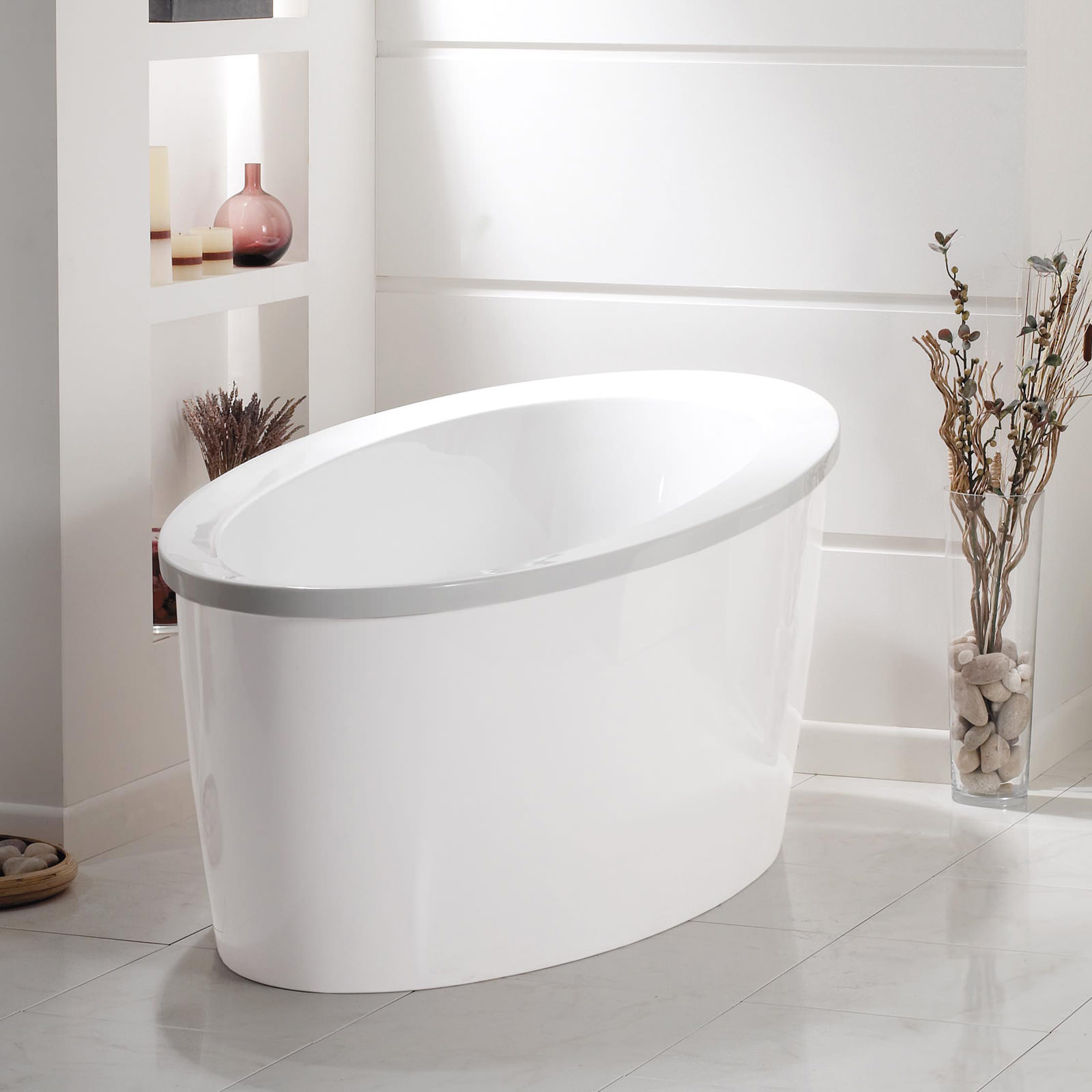 Phoenix conamore bath with white surround 1800 x 900mm conwh for Bath 1800