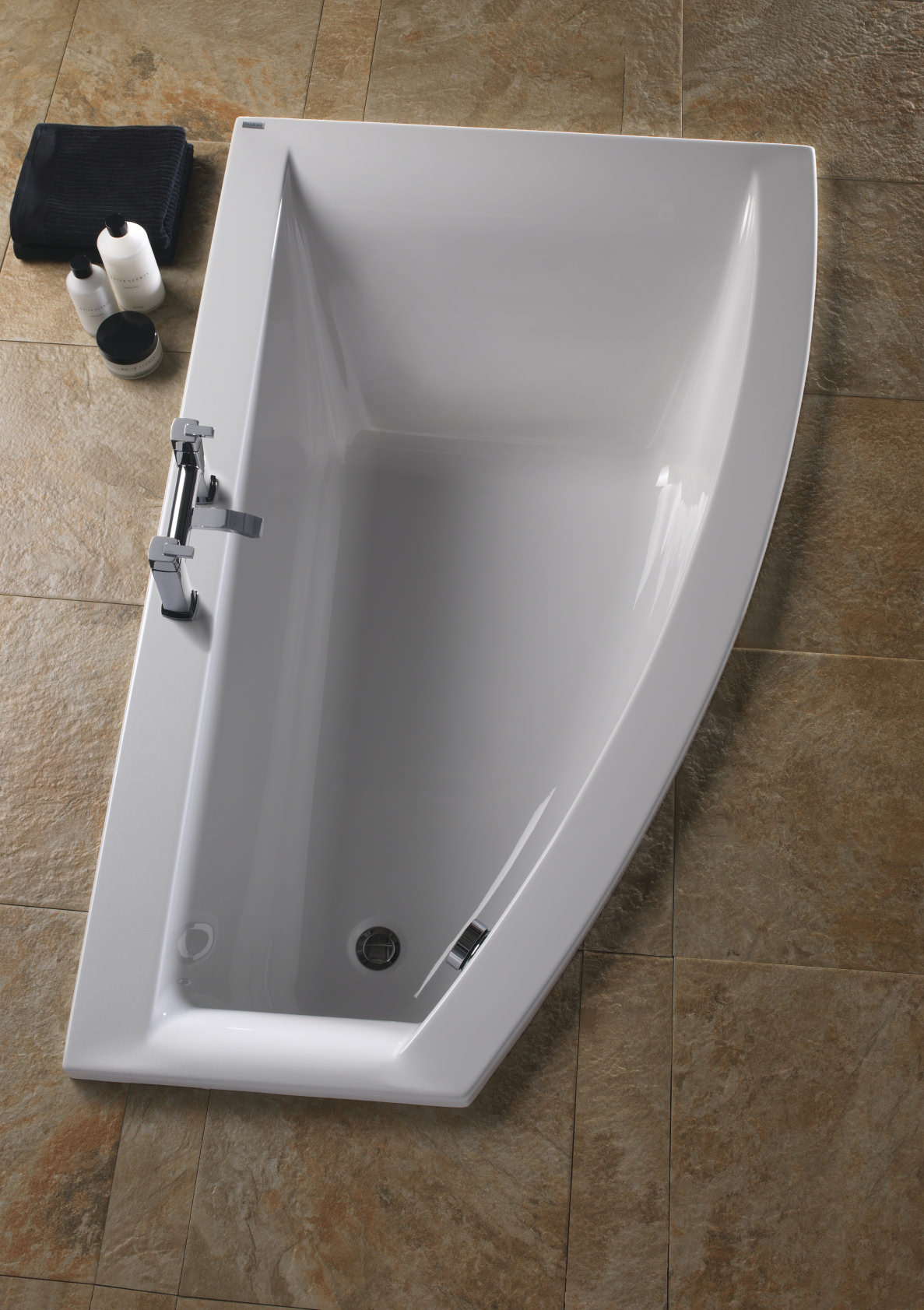 Twyford Indulgence 1600 X 500 1000mm Offset Corner Shower