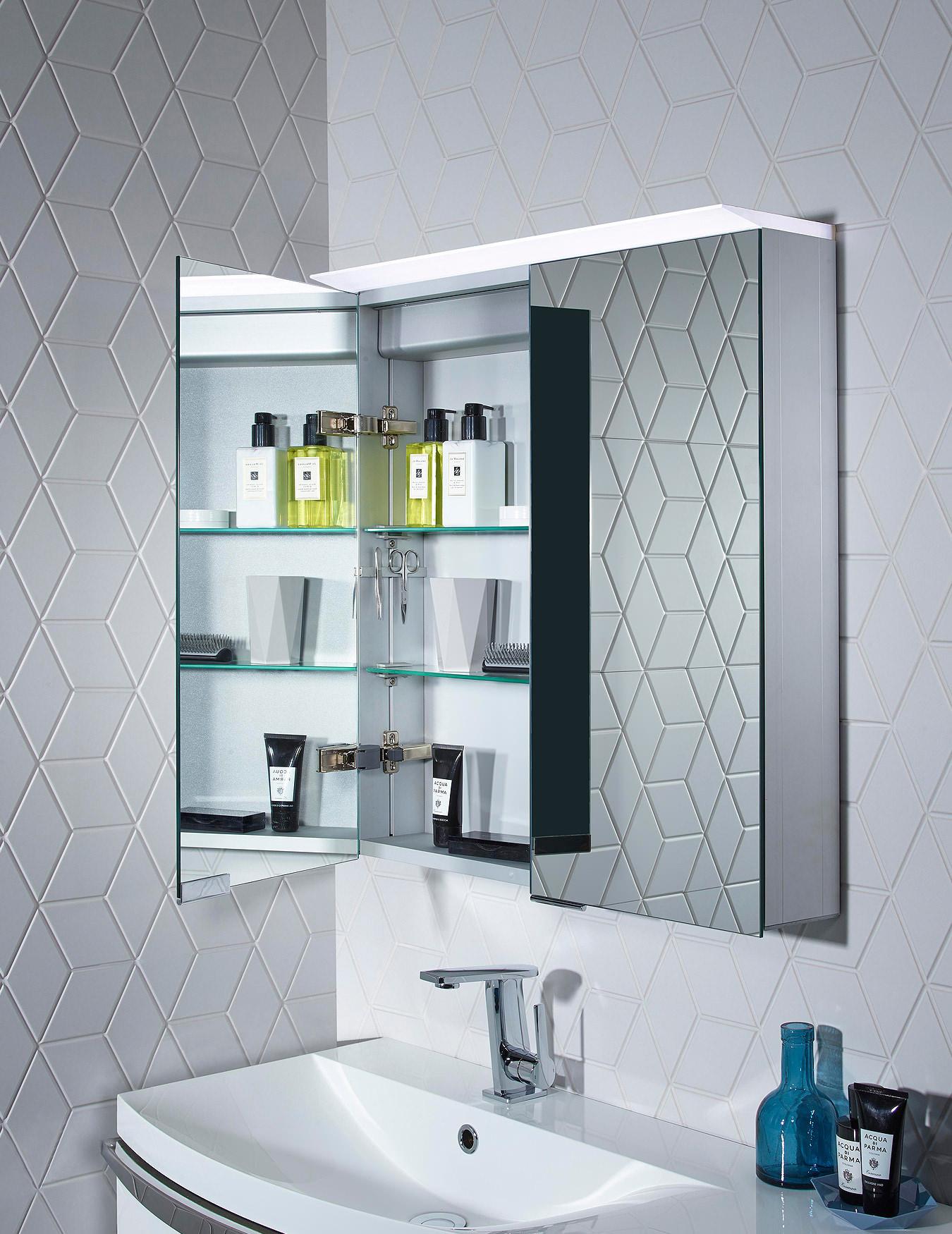roper rhodes venture 655 x 705mm illuminated cabinet | ve65al