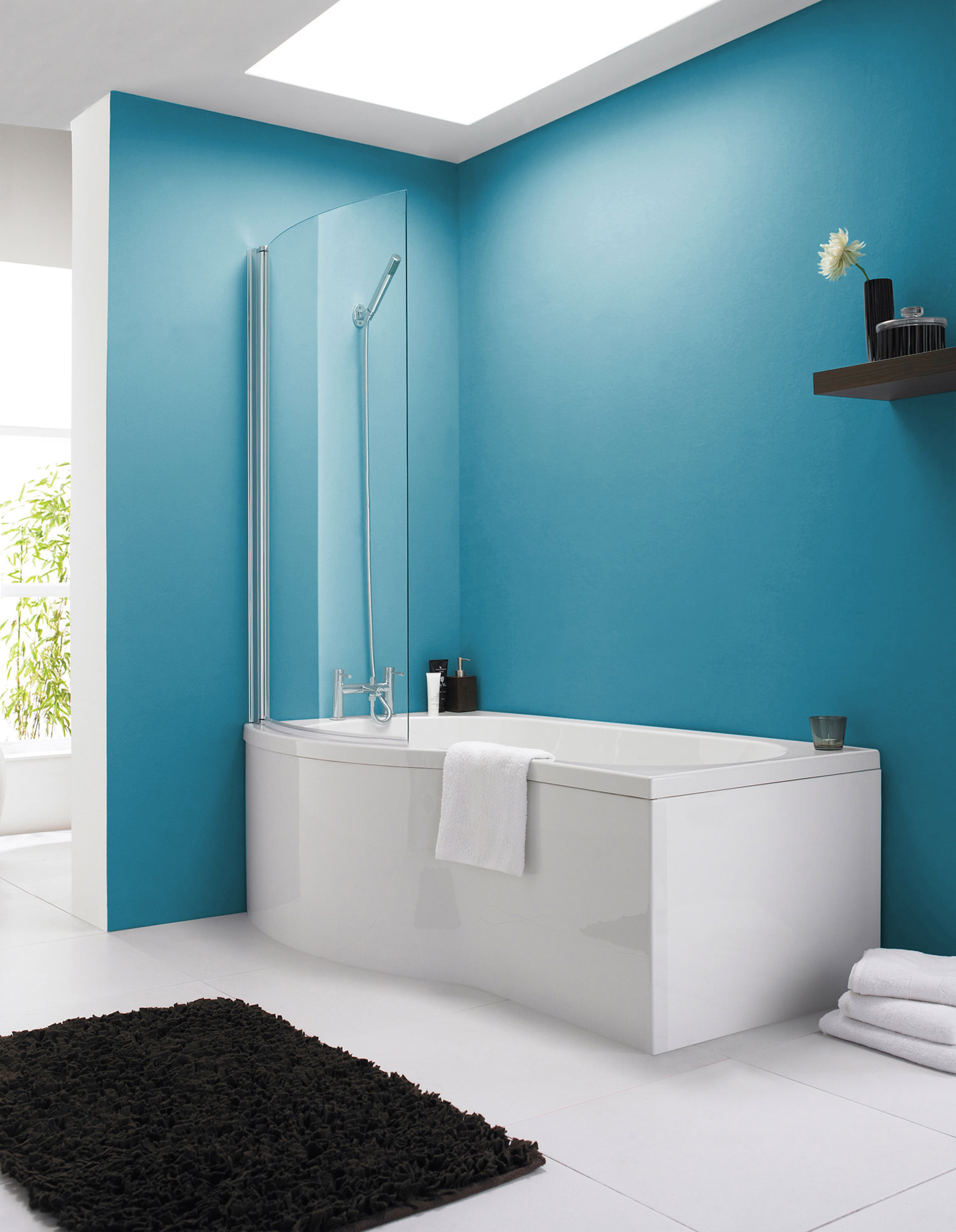 #1C4F5D Lauren 1500mm Curved Shower Bath With Screen And Side  2831 petite salle de bain turquoise 1500x1932 px @ aertt.com