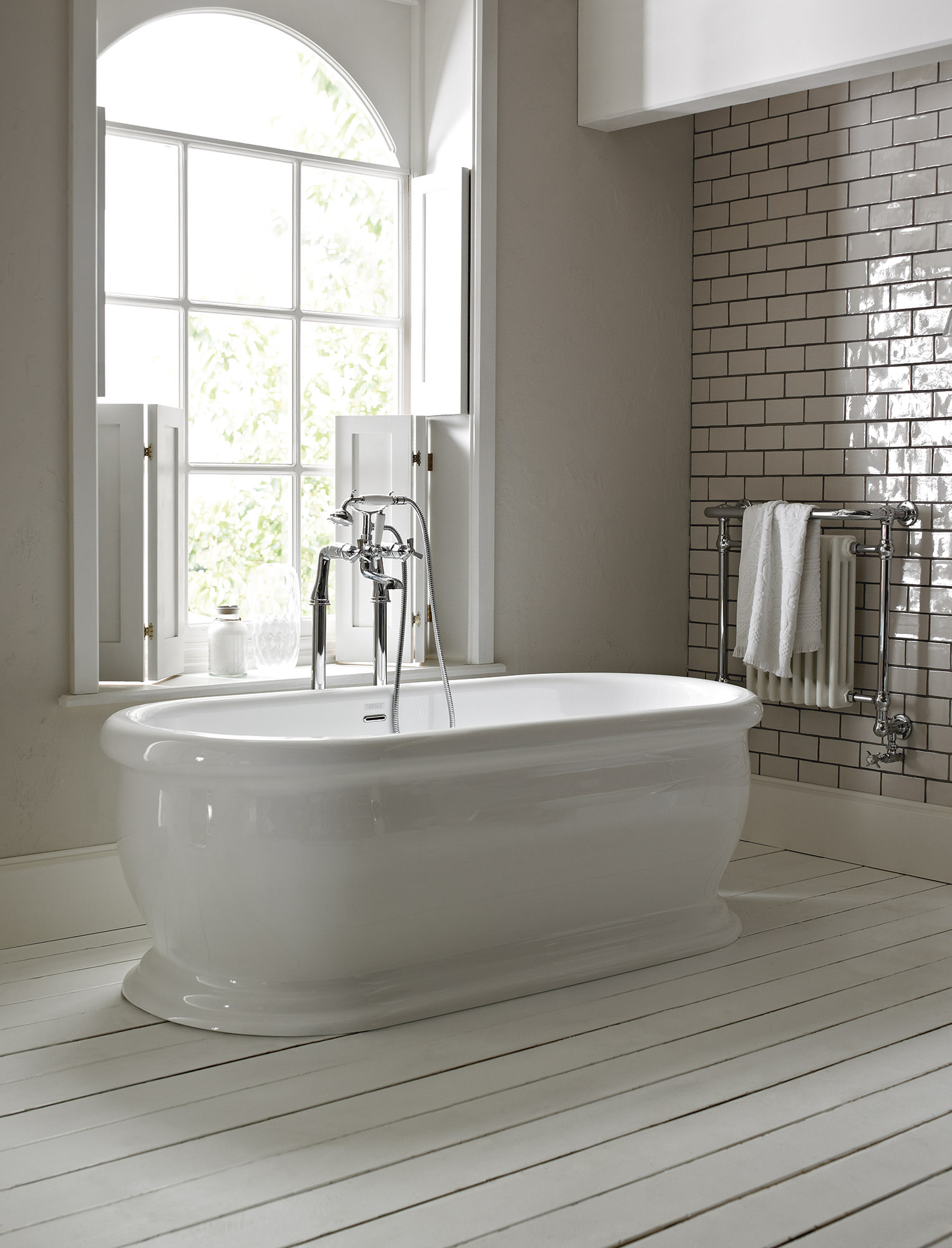White bathroom furniture freestanding - Heritage Derrymore Double Ended Roll Top Bath 1735 X 790mm