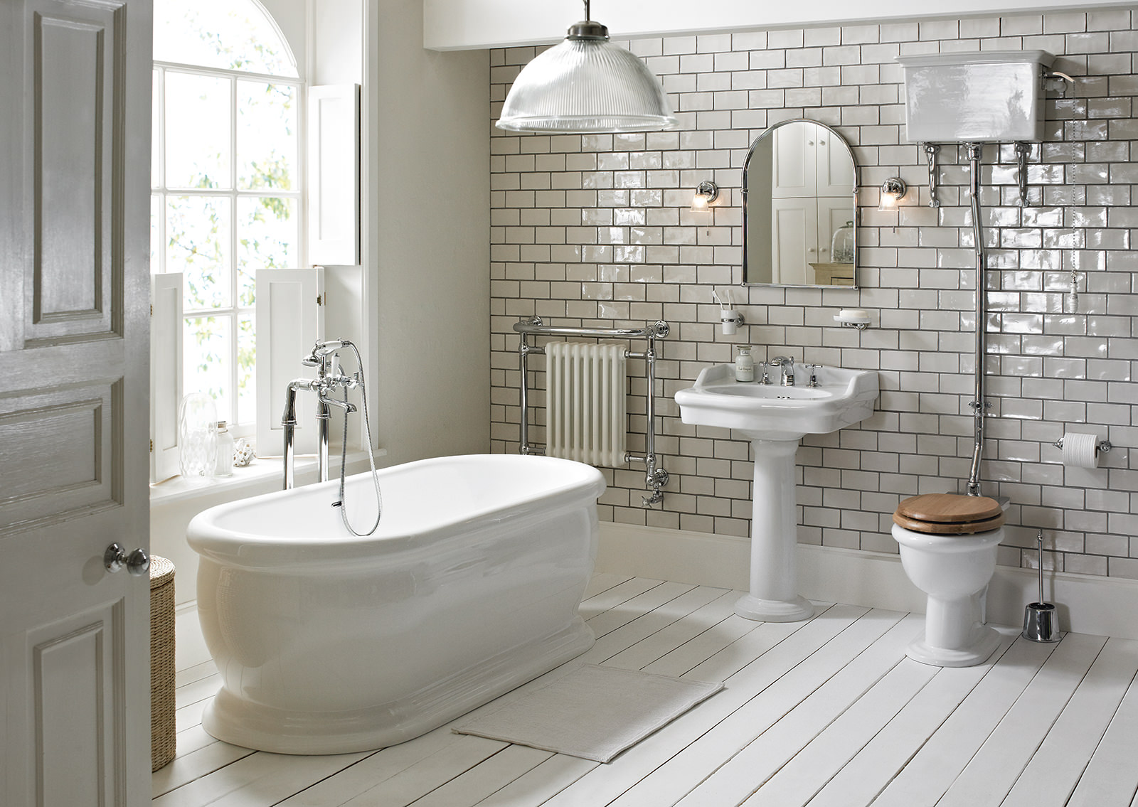 Heritage victoria high level wc and cistern with flush pack for Radiateur pour salle de bain