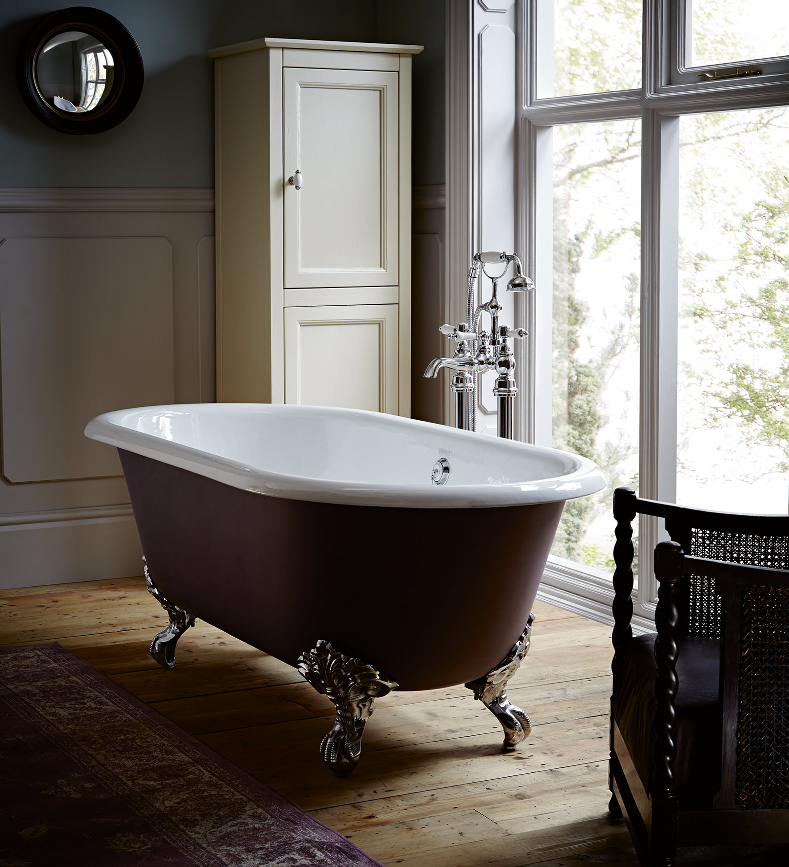 image of heritage baby buckingham cast iron roll top bath with feet