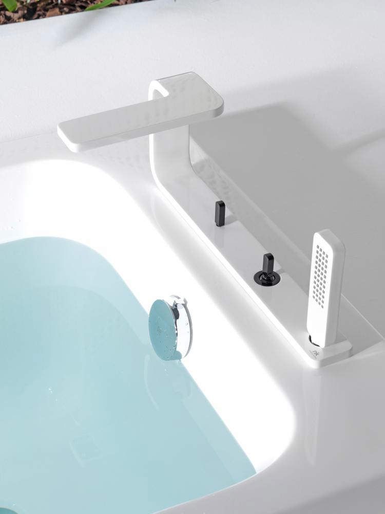 Porcelanosa Noken Lounge 4 Hole Deck White Bath Tap With