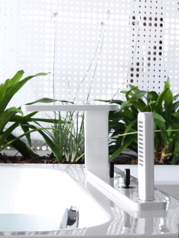 Porcelanosa Noken Lounge 4 Hole Deck White Bath Tap With