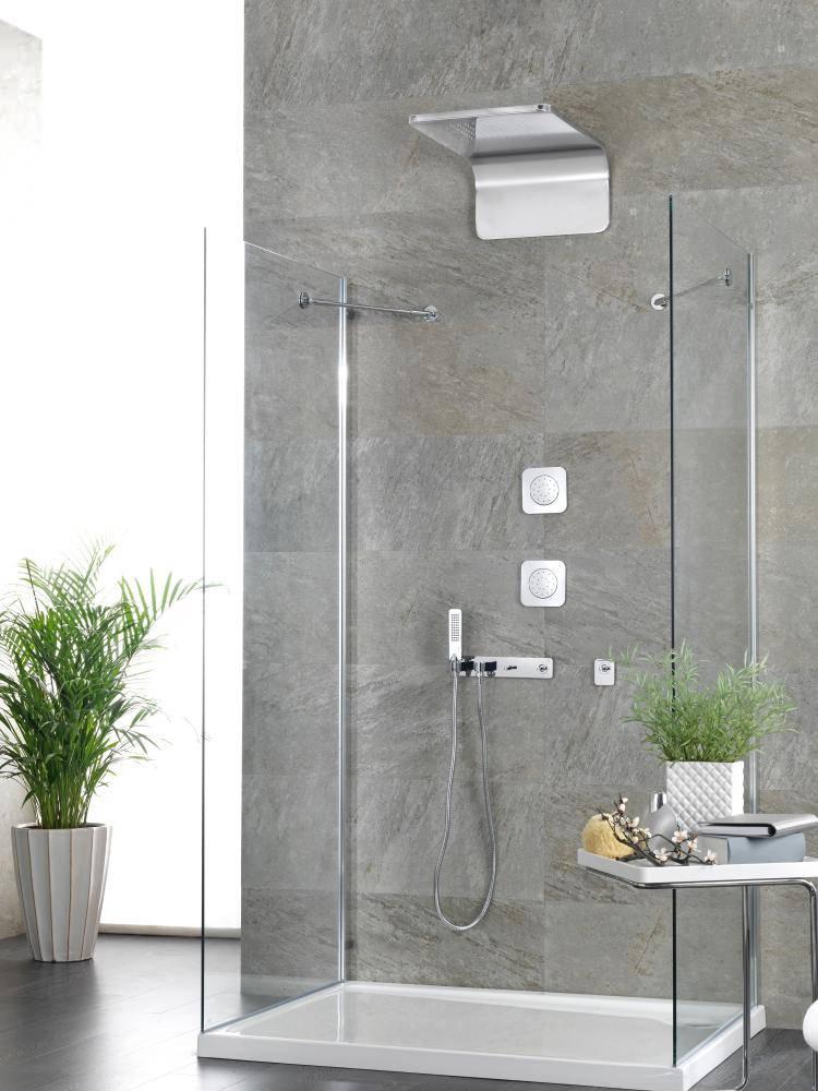 Porcelanosa Noken Lounge Wall Mounted Mirror Rain Shower Head